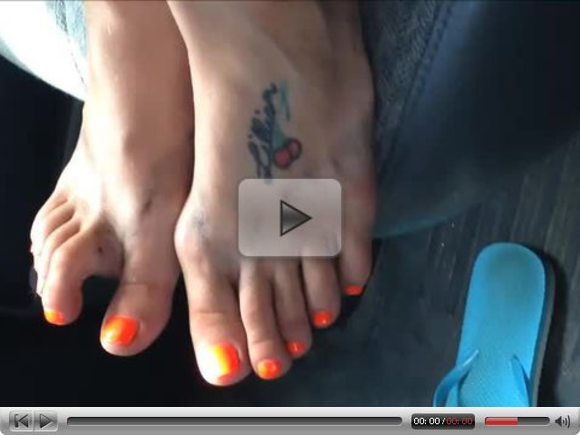 Pamela Orange Toenails