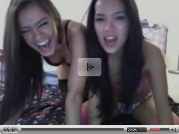 2 Hot Cam Girls Play Together